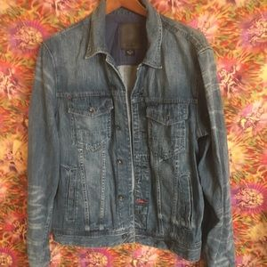 Light weight denim jacket